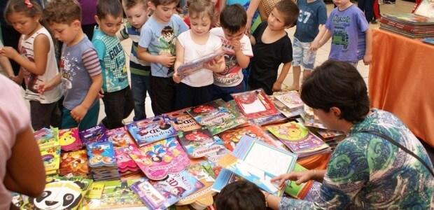 Evento recebe escolas do Alto Vale, promove homenagens a escritoras e o lançamento de livro sobre autores regionais dia 11 | Foto: Tiago Amado